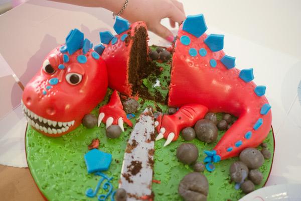 full-cake-cut-1