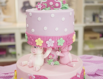 Picture of farmyard cake