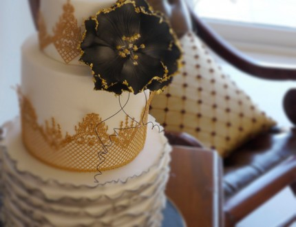 Picture of Gothic lace cake