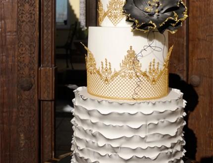 Gothic Lace Vintage Cake