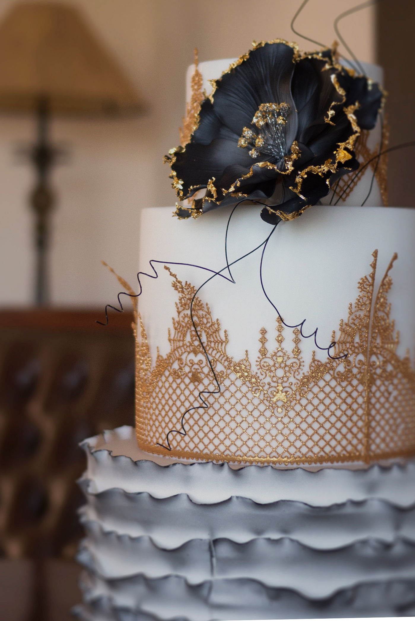 Gothic-Lace-Vintage-Cake-Close-Up2
