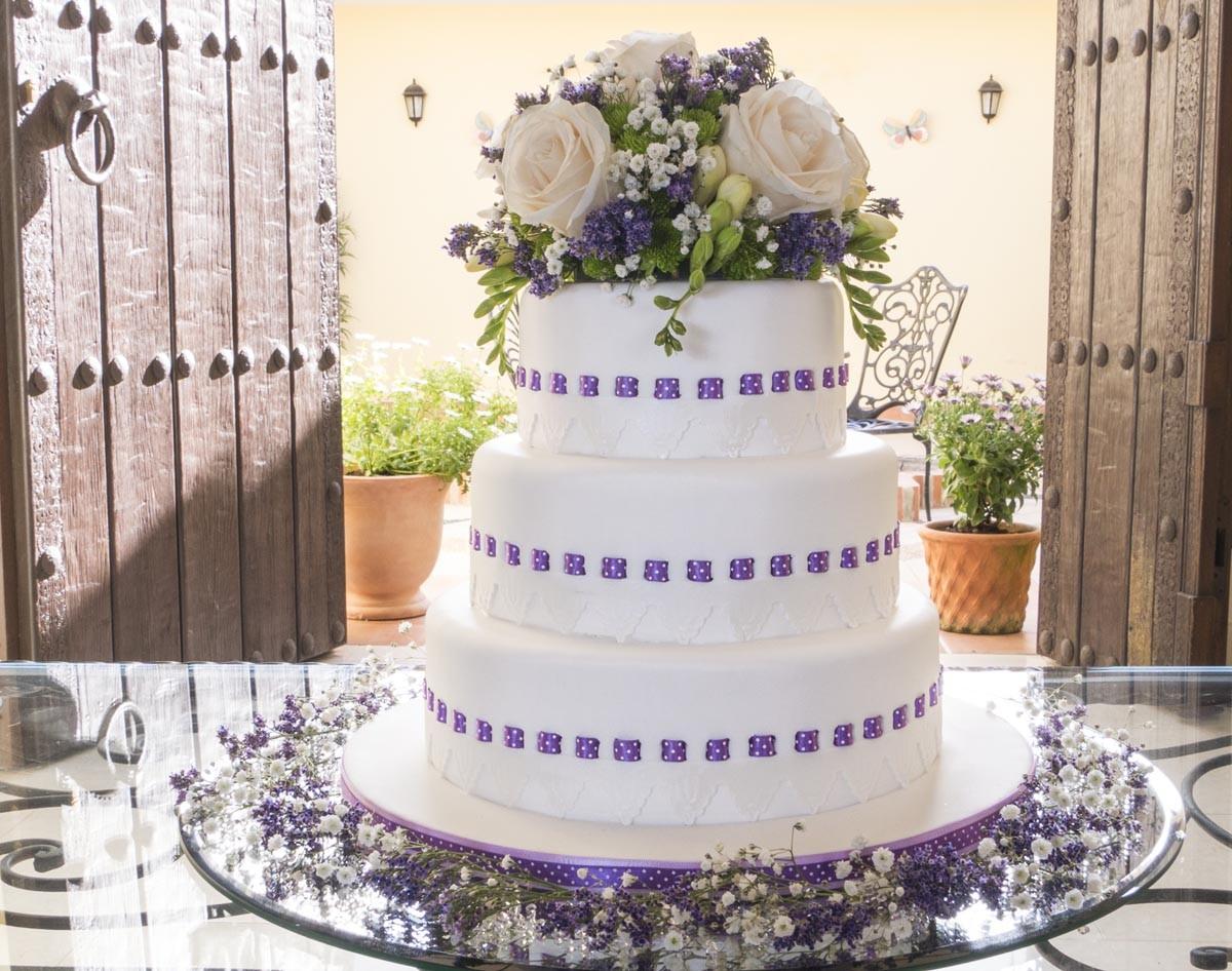 Ribbon Insertion Wedding Cake - CakeFlix