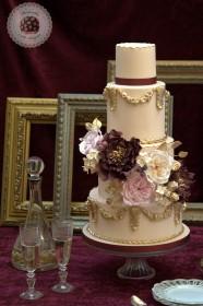 baroque-love-wedding-cake-Mericakes-21-186x280