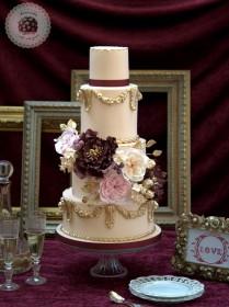 baroque-love-wedding-cake-Mericakes-4-209x280