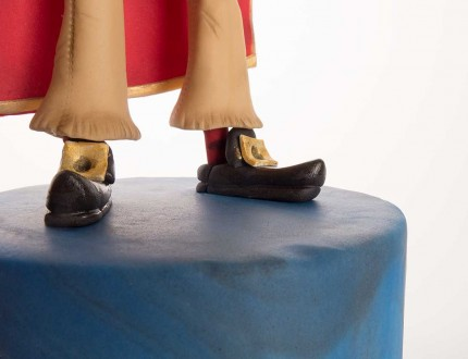 Close up of shoes of Captain Bradley armture cake