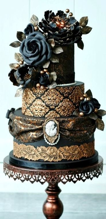 Cool 10 Steampunk Cakes For Extraordinary Ladies And Gentlemen Cakeflix Birthday Cards Printable Benkemecafe Filternl