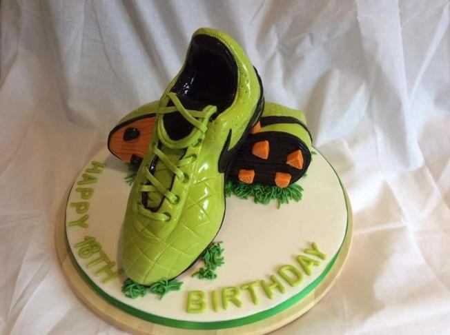 football boots cake