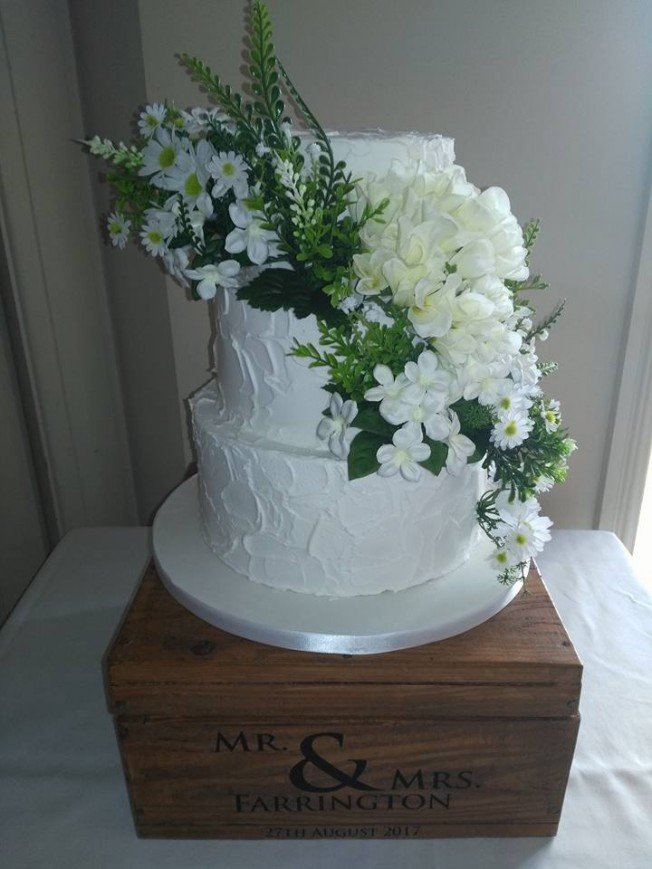 Sam Wedding Cake.Members Wedding Cakes August Cakeflix