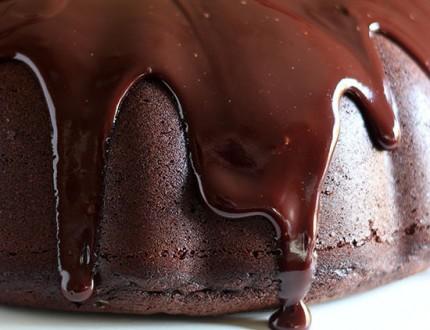 chocolate cake oozing