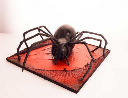bladk widow spider cake tutporial - CakeFlix