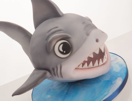 how to make a baby shark cake
