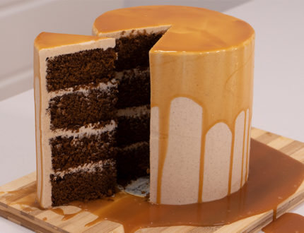 Gingerbread & salted Caramel Drip Cake