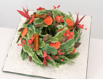 Christmas wreath full cake
