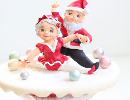 cha cha cha Christmas figures full cake