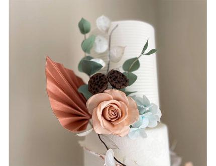 Contemporary rustics wedding cake top tier